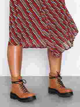 Sando Boots