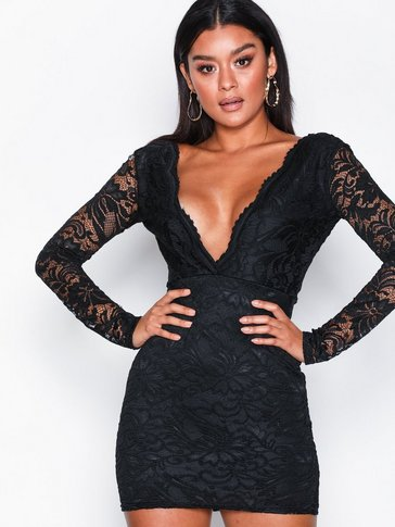 Missguided - Plunge Neck Lace Dress