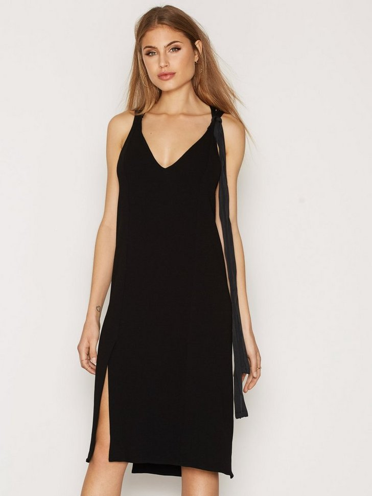 Nelly.com SE - Geronia Dress 2238.00 (2798.00)