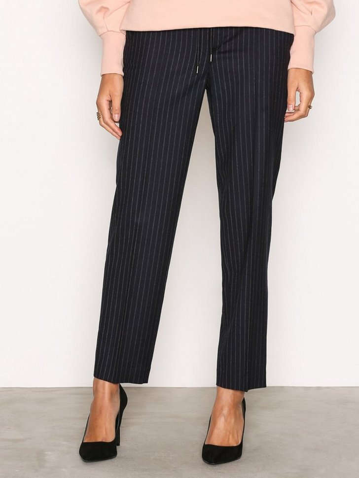 Nelly.com SE - Gabe Cropped Pant 1898.00