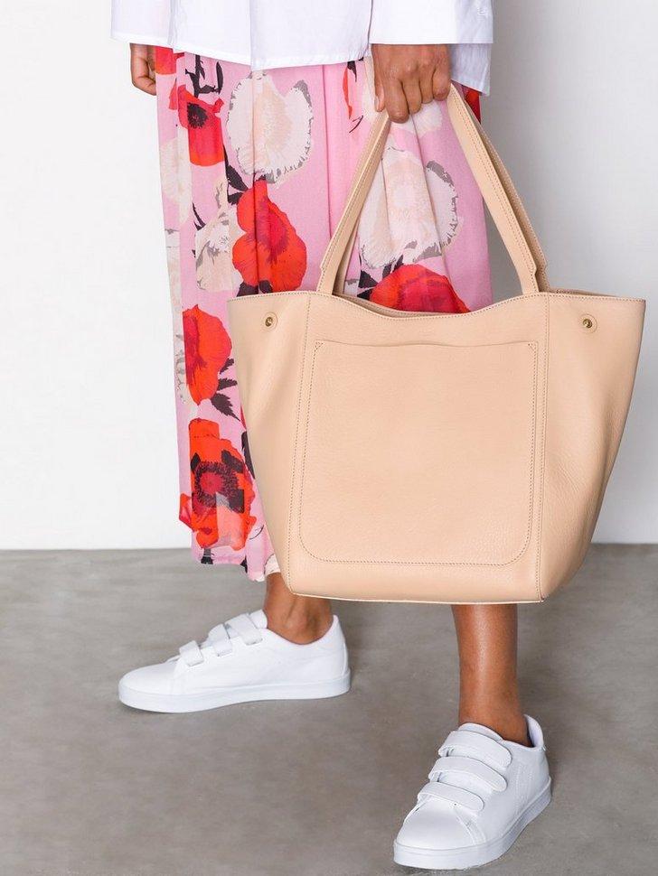 Shelby Bucket Leather Bag