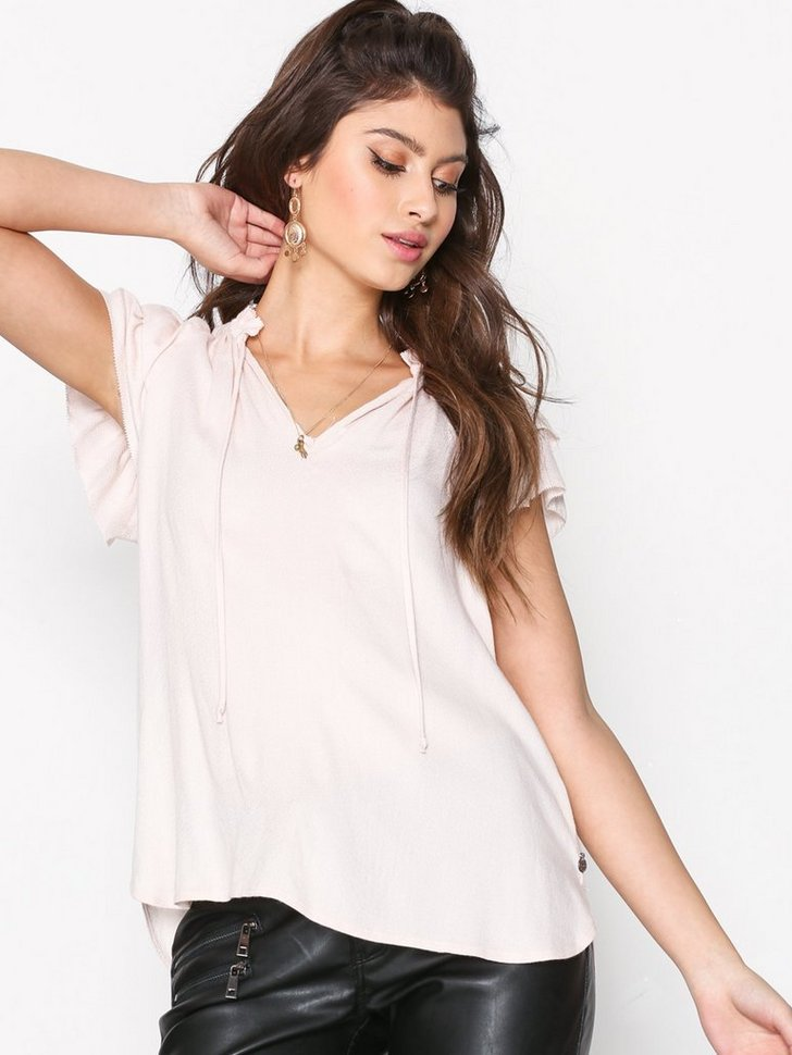 Nelly.com SE - Ruffle Sleeve V-Neck Top 716.00 (1194.00)