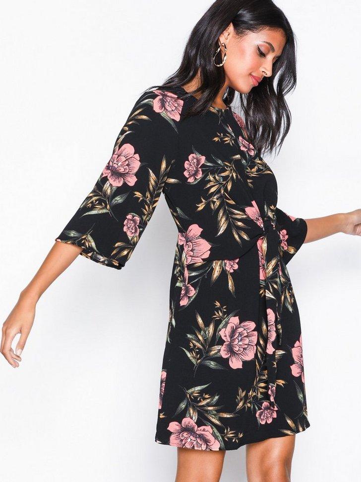 Nelly.com SE - Floral Dress 278.00