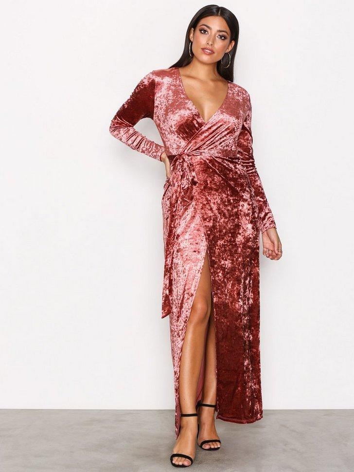 Nelly.com SE - Velvet Wrap Dress 898.00