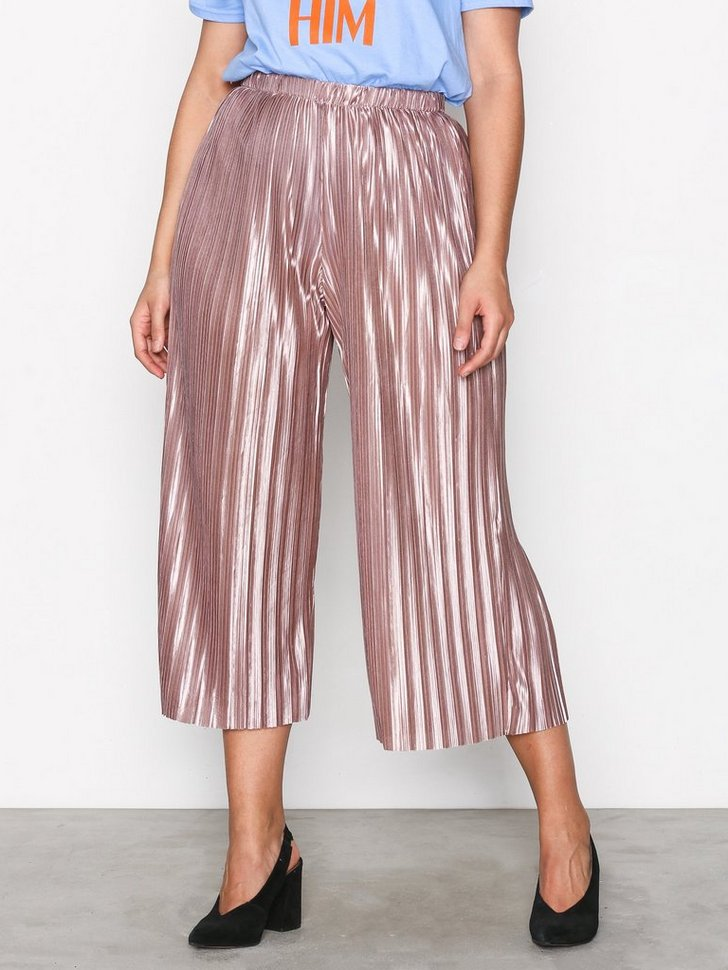 Nelly.com SE - Pleated Pants 174.00 (348.00)