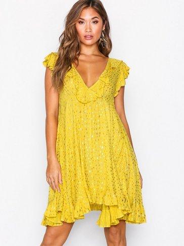 Glamorous - V Flounce Dress