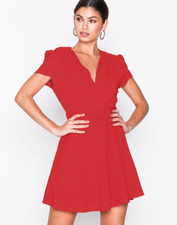Short Sleeve Dress by Glamorous