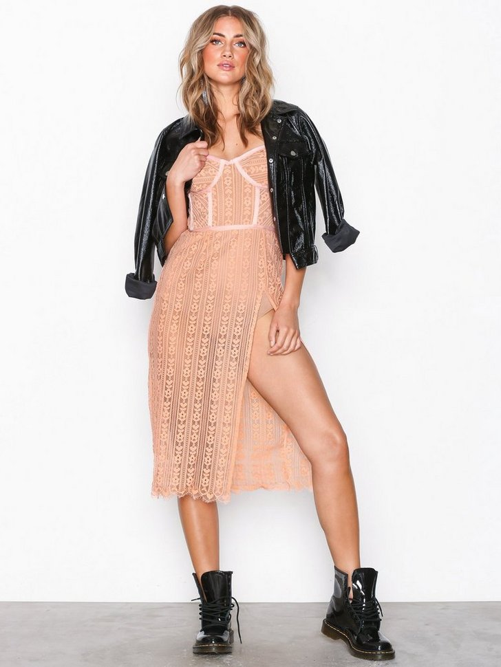 Nelly.com SE - Dakota Lace Midi Dress 2598.00
