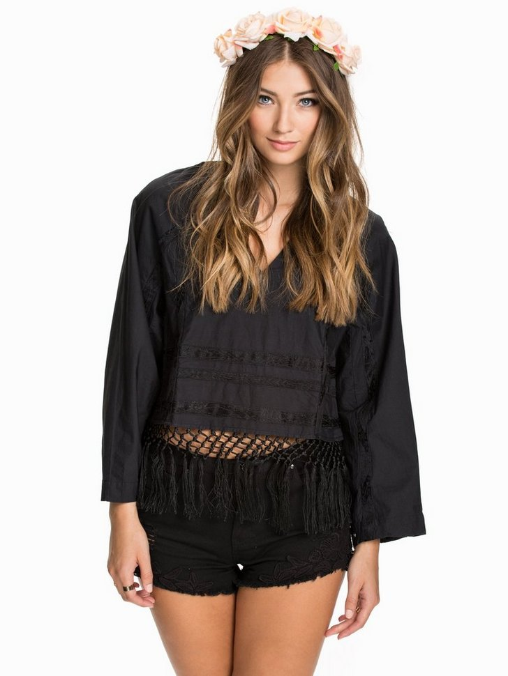 Nelly.com SE - LS Blouse 747.00 (1494.00)