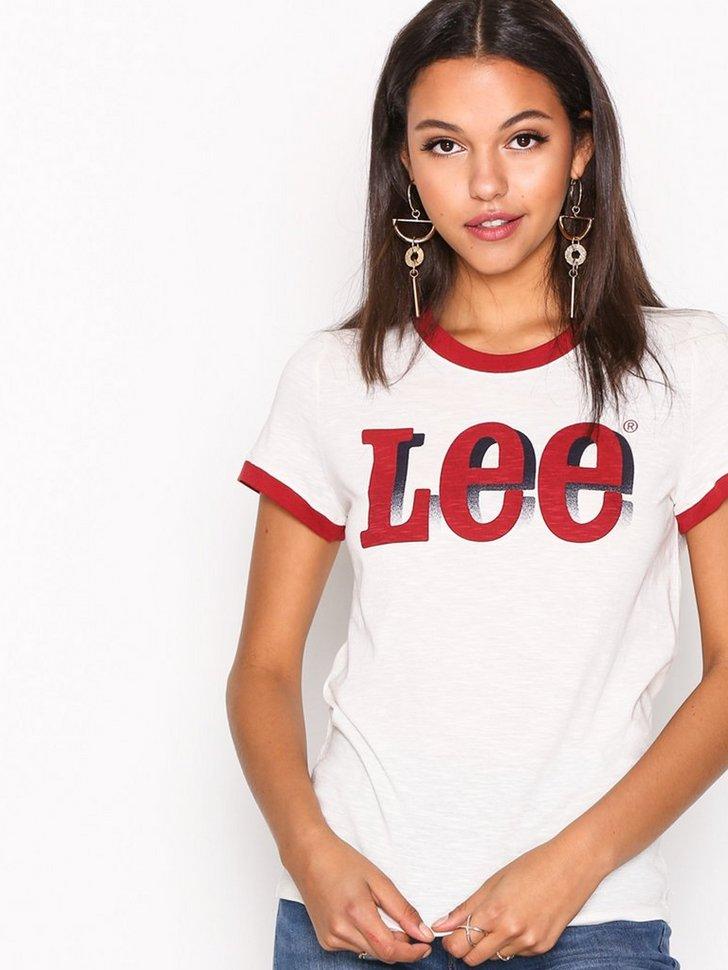 Nelly.com SE - Retro Logo Tee 298.00