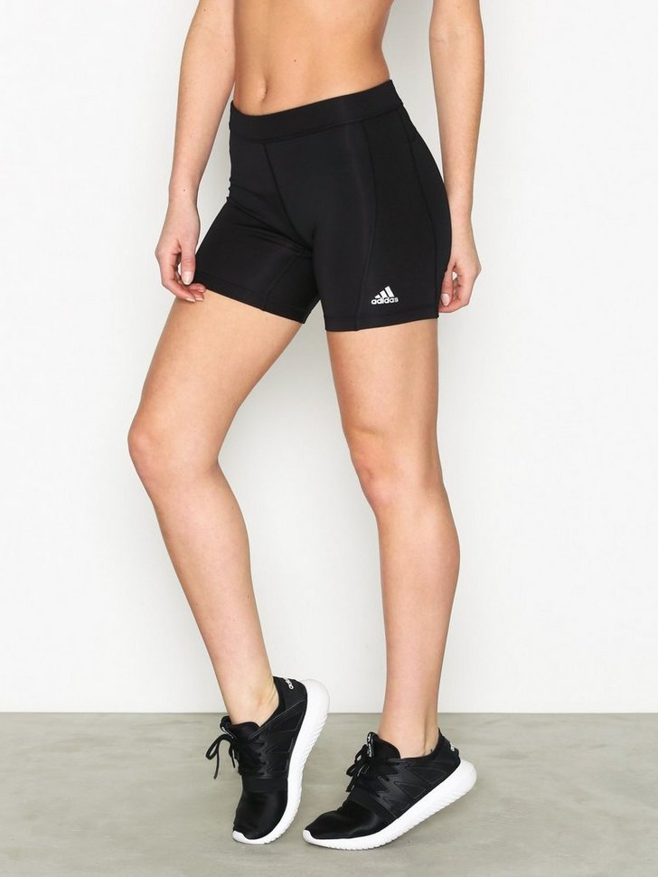 Nelly.com SE - TF Short TT 5IN 328.00