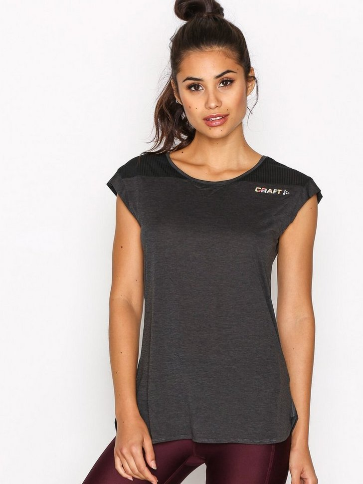 Nelly.com SE - Smart SS Tee 348.00