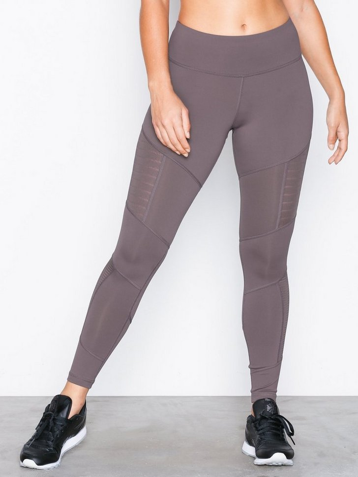 Nelly.com SE - D Mesh Tight 498.00