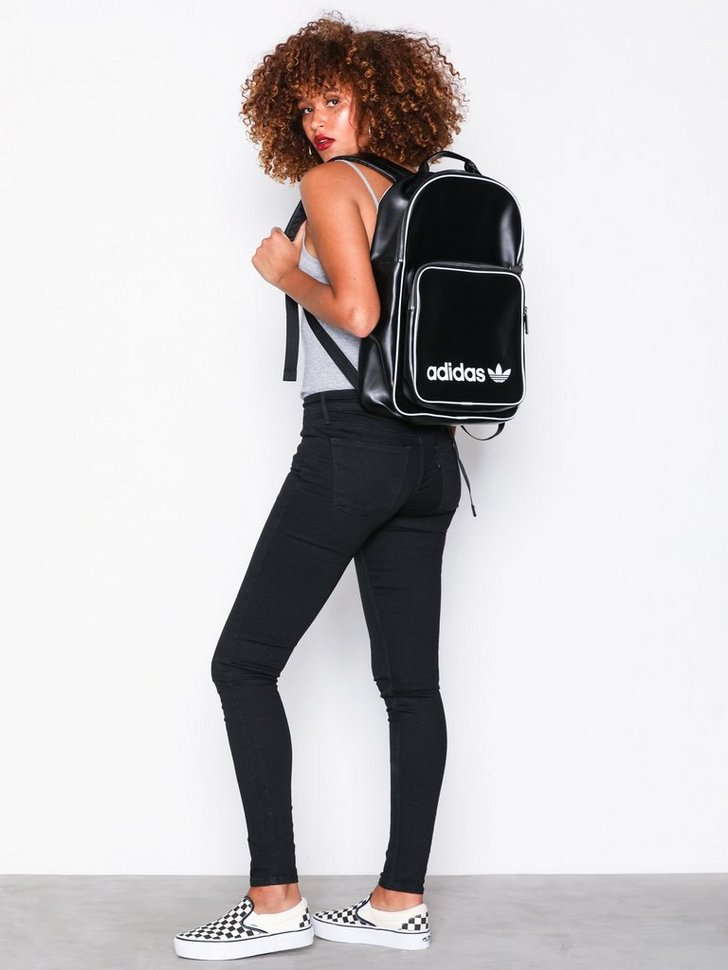 Nelly.com SE - Backpack Classic Vintage 598.00