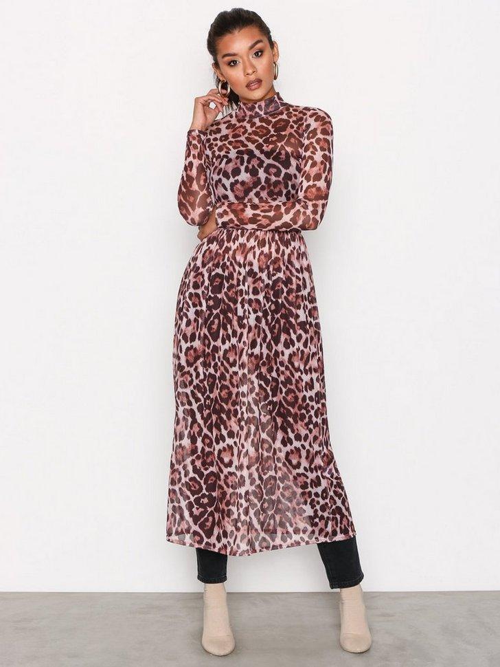 Nelly.com SE - Print Mesh Dress 119.00 (398.00)