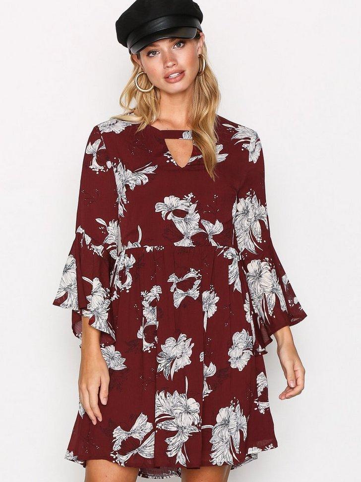 Nelly.com SE - Grass Dress 498.00