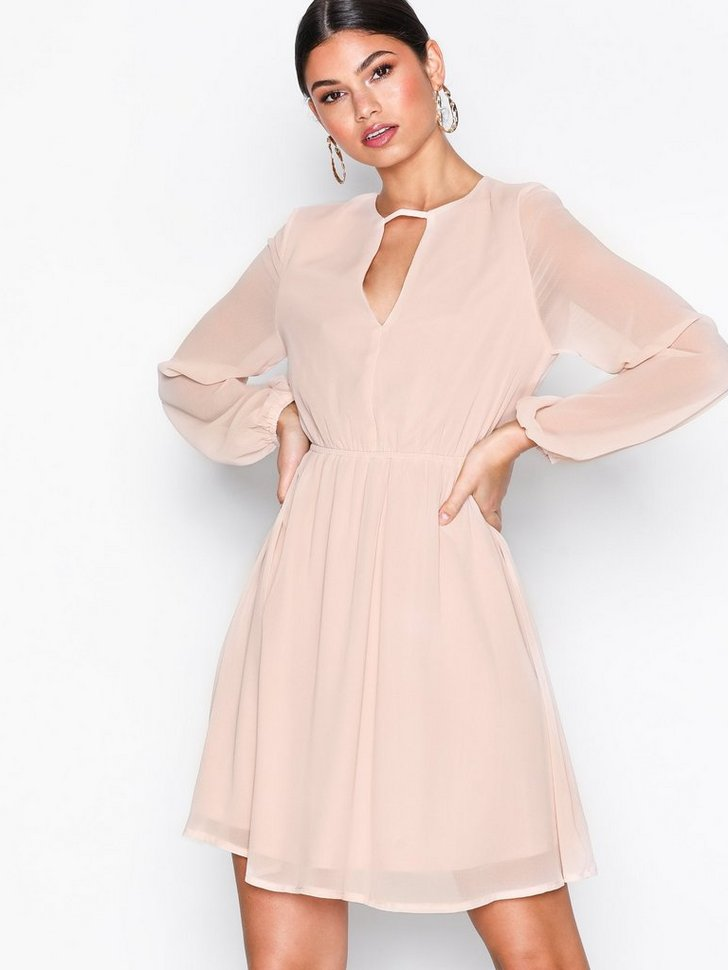 Nelly.com SE - Nobis Dress 279.00 (398.00)