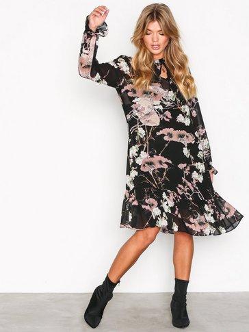 Sisters Point - Vota Dress