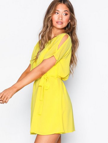 Sisters Point - Narva Short Dress