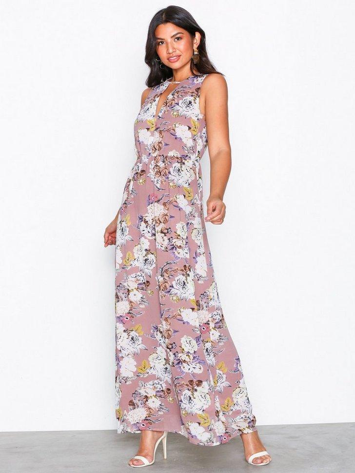 Nelly.com SE - Guess Dress 598.00