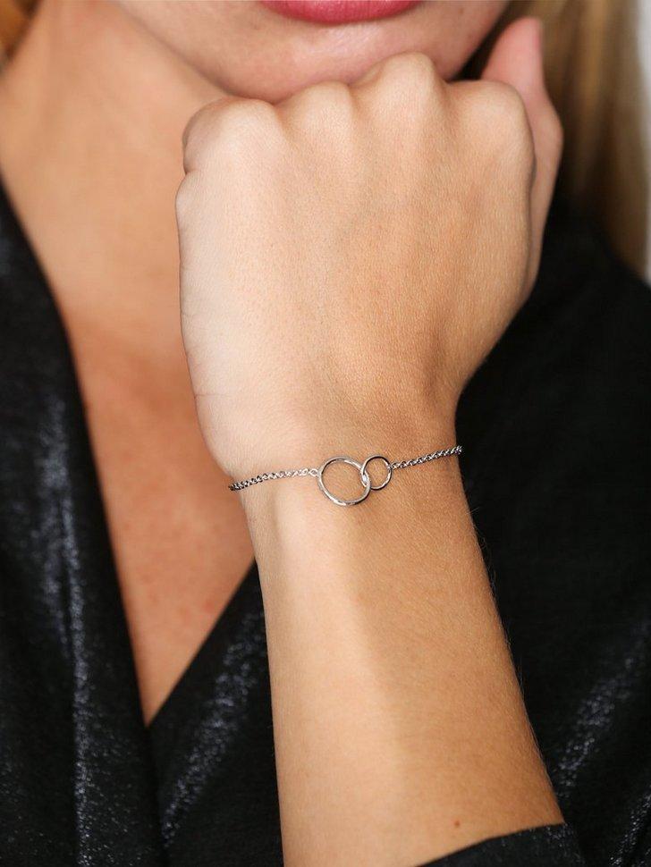 Nelly.com SE - Circle Bracelet 789.00