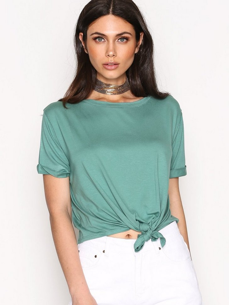 Nelly.com SE - Front Knot Tee 91.00 (228.00)