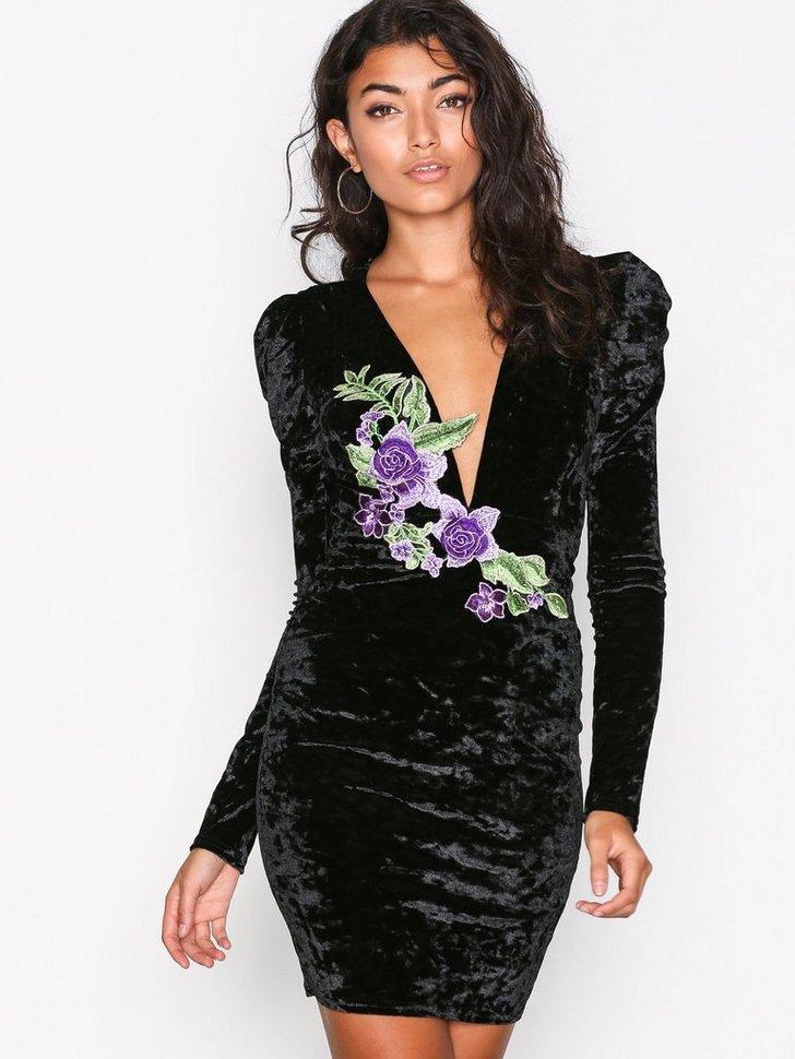 Embroidery V Drop Dress køb festkjole