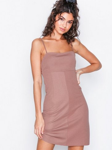 NLY Trend - Perfect Strap Dress