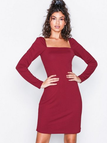 NLY Trend - Deep Square Dress