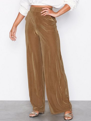 NLY Trend - Ribbed Velvet Wide Pants