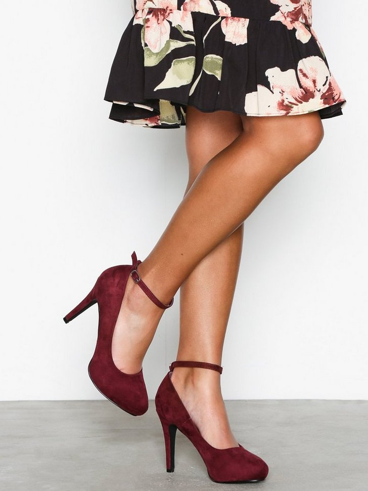 Nelly.com SE - Party Heel 498.00