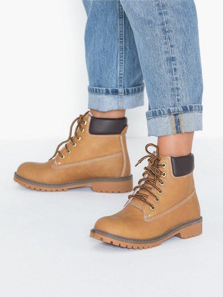 Nelly.com SE - Warm Boot 498.00